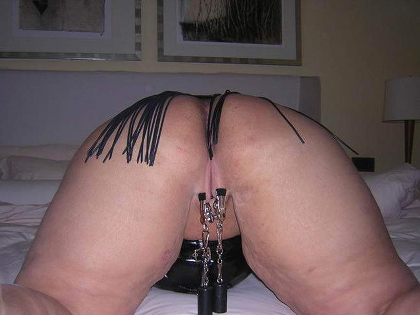 Schamlippen Folter